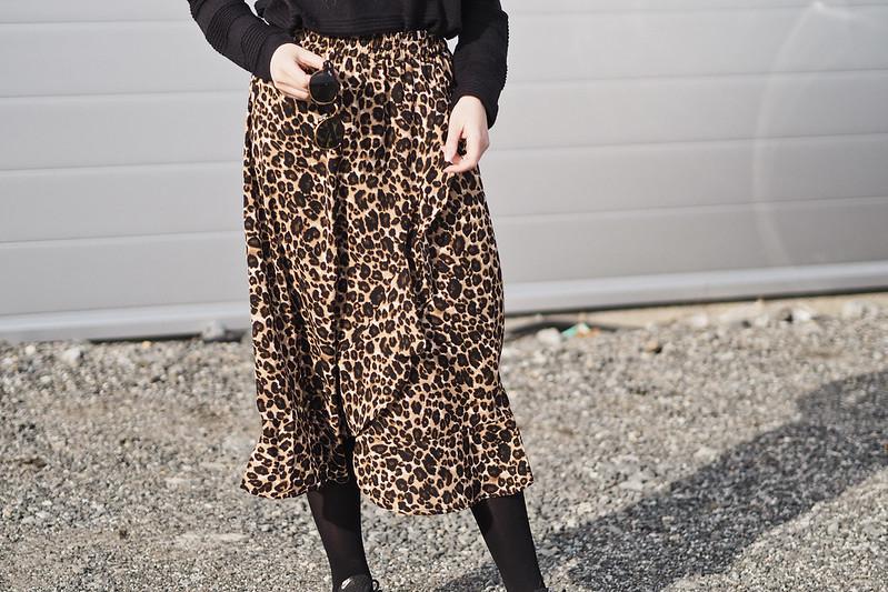 midihame leopardikuosilla