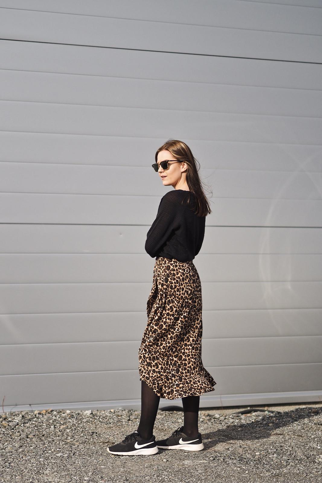 midihame leopardikuosilla hot in