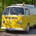 VW-Bus gelb