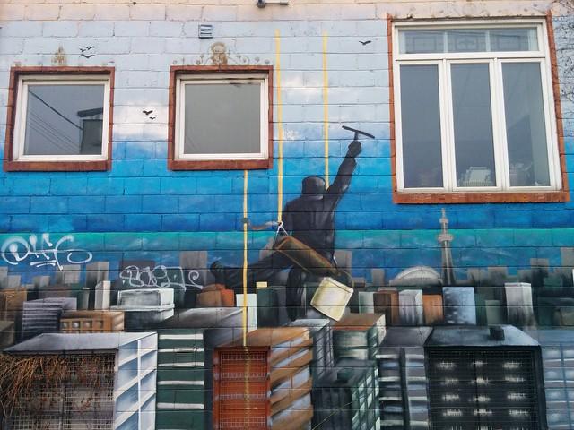 Graffiti, north side of 2113 Dundas Street West #toronto #dundasstreetwest #roncesvalles #graffiti #latergram