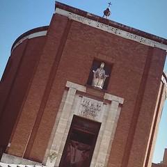 #Buongiorno Sapienza con una foto della Cappella universitaria di @mariannalioce ・・・ :rose:.