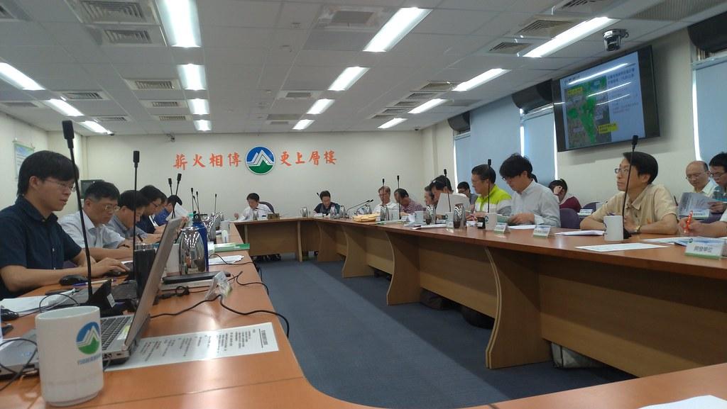 環保署召開「高雄市仁武產業園區」環評會議。