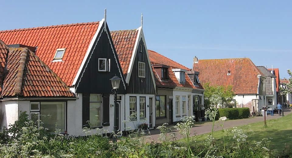 Texel, The Netherlands: De Ruyterstraat in Oudeschild | Your Dutch Guide
