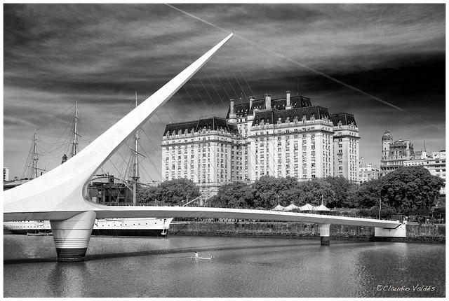 El Puente de la Mujer - Woman's Bridge