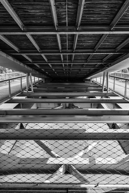 entre le pont