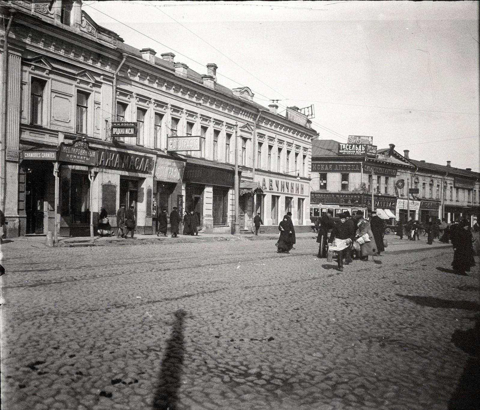 Проезд от Смоленской-Сенной площади к Смоленскому рынку