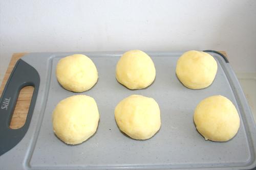 36 - Klöße formen / Form dumplings