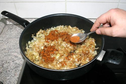 21 - Edelsüßes Paprika einstreuen / Add sweet paprika