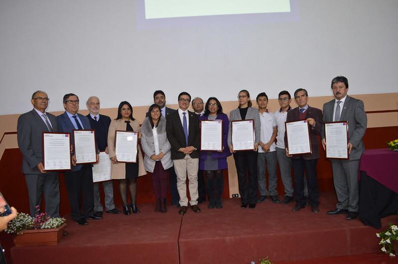 "Firma de ""Compromiso Bicentenario 2019"""