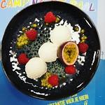 Witte chocolademousse met framboos en passievrucht