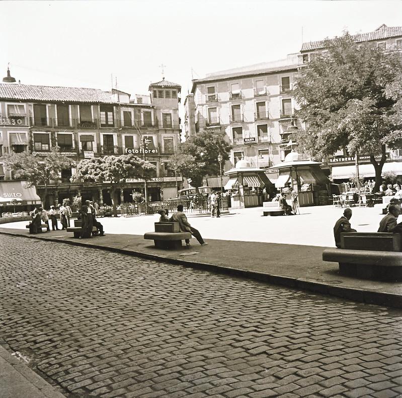 Plaza de Zocodover en los años 50. Fotografía de Victoriano de Tena Sardón
