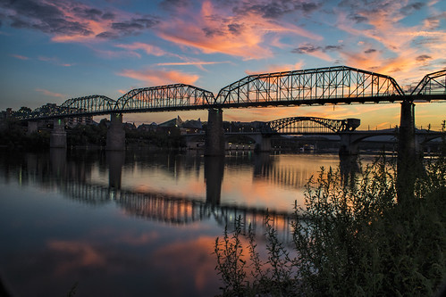 7dmarkii chattanooga chickamauga ga georgia markchandler tn tennesee battlefield canon city color colour outdoor outdoors photo photography stock river sunset dusk nature silhouette reflection walnut street bridge st clouds sky water evening night