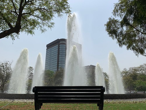 City Hangout - Water Fountain, Gole Park, Windsor Place