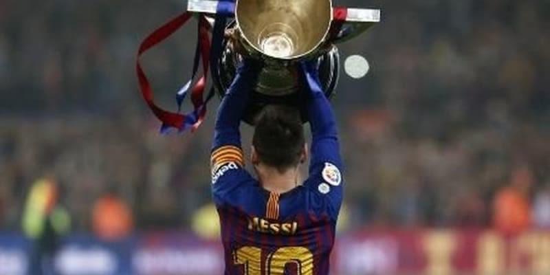 Messi Dijulukin Pemain Ajaib di Bumi Ini