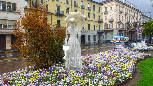 Torino : Giardino La Marmora  Watering Lady