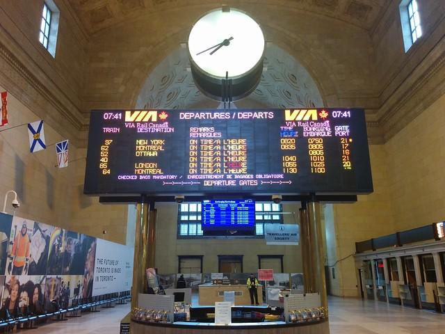 Departures #toronto #unionstation #greathall #departures #schedule #rail #viarail