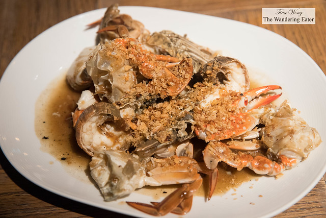 Small river crabs in garlic sauce