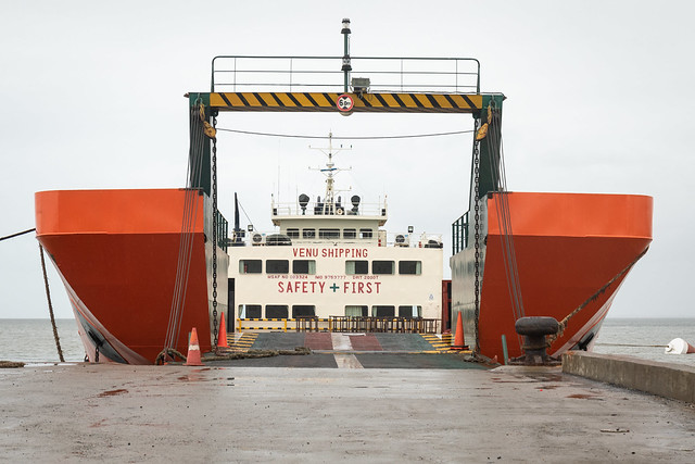 20190422_5122_7D2-38 St Mary vehicle ferry