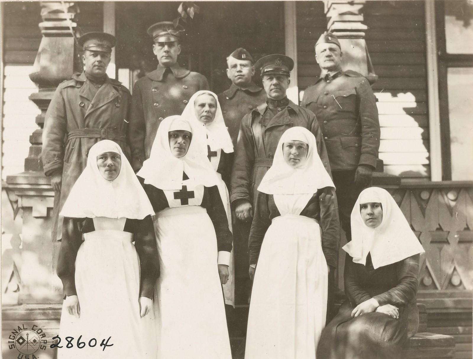 Архангельск. Русские медсестры американского госпиталя