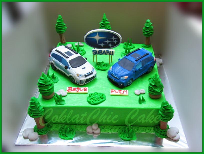 Cake Couple Mobil Subaru Bagus Putri 22 cm