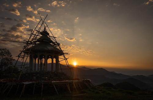 week162019 startingtuesdayapril162019 52weeksthe2019edition religion nepal ilce7m2 sony travel astam annapurna temple building sunrise landscape mountain