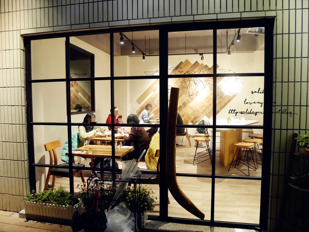 台北文山區萬隆站附近氣氛好約會餐廳推薦ConfitRemi黑米義大利麵 (3)