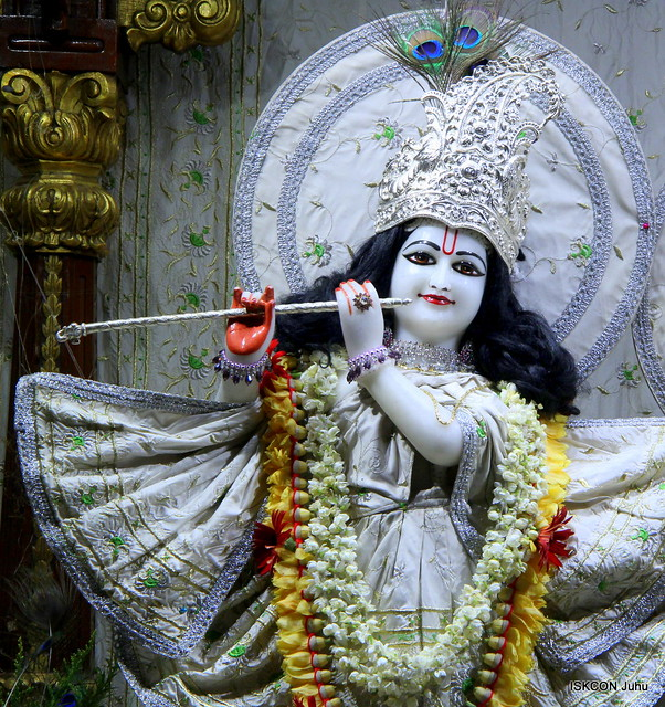 ISKCON Juhu Mangal Deity Darshan on 25th Apr 2019