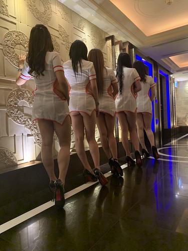 應酒瀧商務制服酒店 9p夜生活