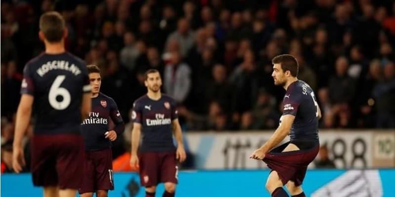 Emery Pastikan Arsenal Akan Finish Empat Besar Kok