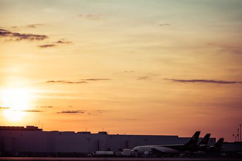 bigbrown louisville upsworldport upsworldwidehub unitedparcelservice goldenhour sunset