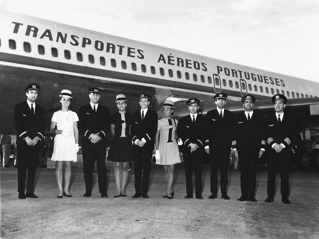 Tripulação do voo que inaugurou a pista de de jactos no aeroporto de Lourenço Marques (Moçambique, 1/6/1970).