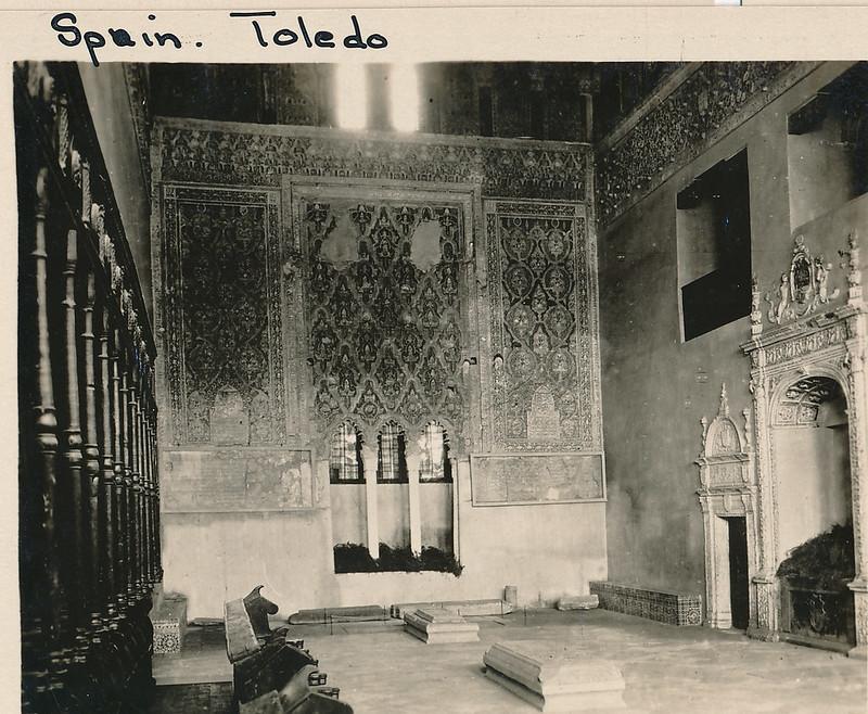 Interior de la Sinagoga del Tránsito hacia 1915. Fotografía de Edward Manuel Newman. Colección de Laura Valeriano y Paco de la Torre.