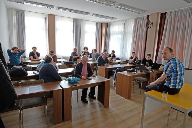 VCSE - Közgyűlés kezdetére várva - Ágoston Zsolt felvétele