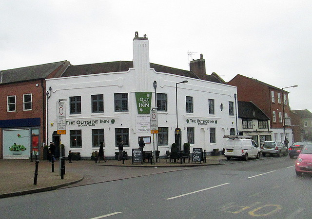 Evesham, Building with Art Deco Styling