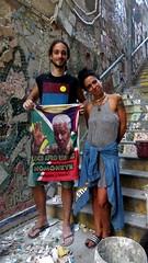 Escadaria 190402 044 mosaico degraus Fiorella Julio camisa Nelson Mandela apresentação
