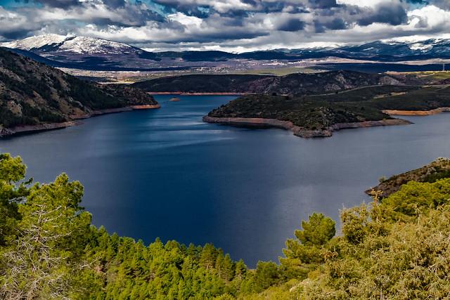 The Atazar Reservoir and the north mountain range of Madrid .....EL Embalse del Atazar y la Sierra Norte de Madrid.....