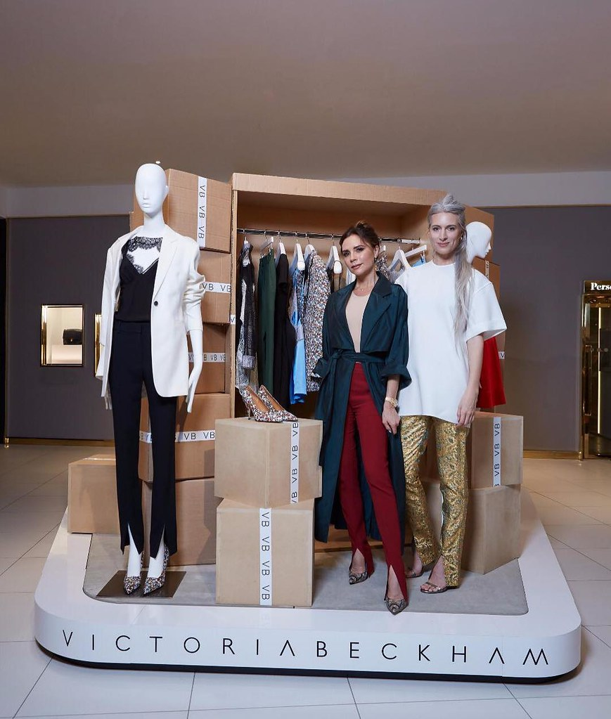 Виктория Бекхэм на открытии магазина в Selfridges
