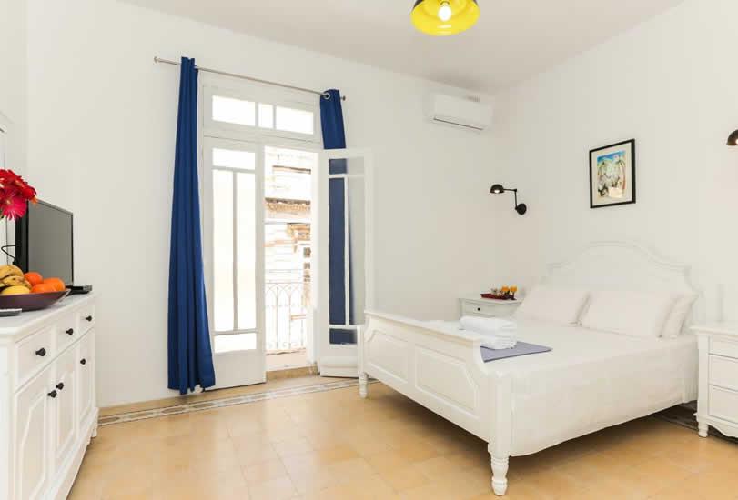 B&B Sliema, House of Pomgrenates | Malta & Gozo