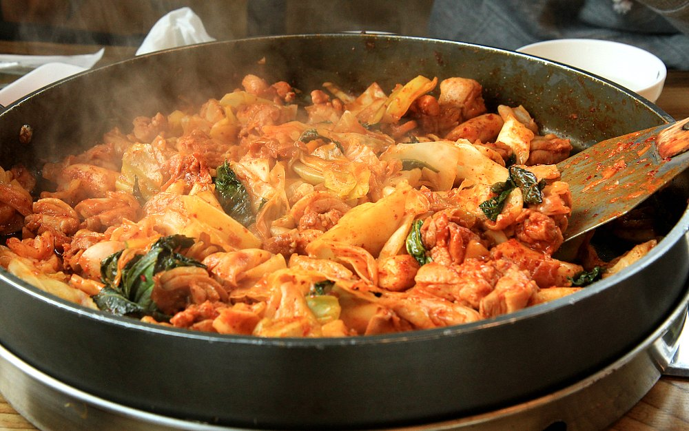 What to Eat in Seoul Korea - Chuncheon Dak-galbi