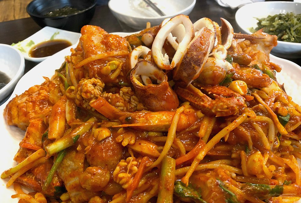 What to eat in Seoul Korea - Agujjim