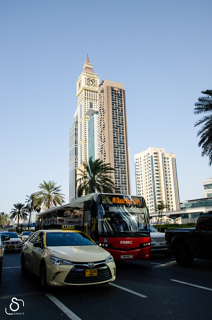 Dubai - Random Click