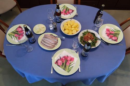 Matjes zu Salzkartoffeln und Speckbohnen