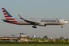 N384AA // American Airlines // Boeing 767-323(ER)(WL)