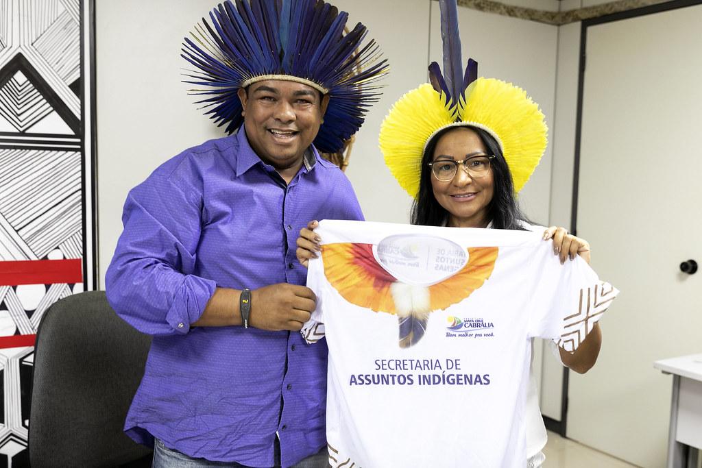Secretária Silvia Waiãpi recebe Lideranças Pataxó