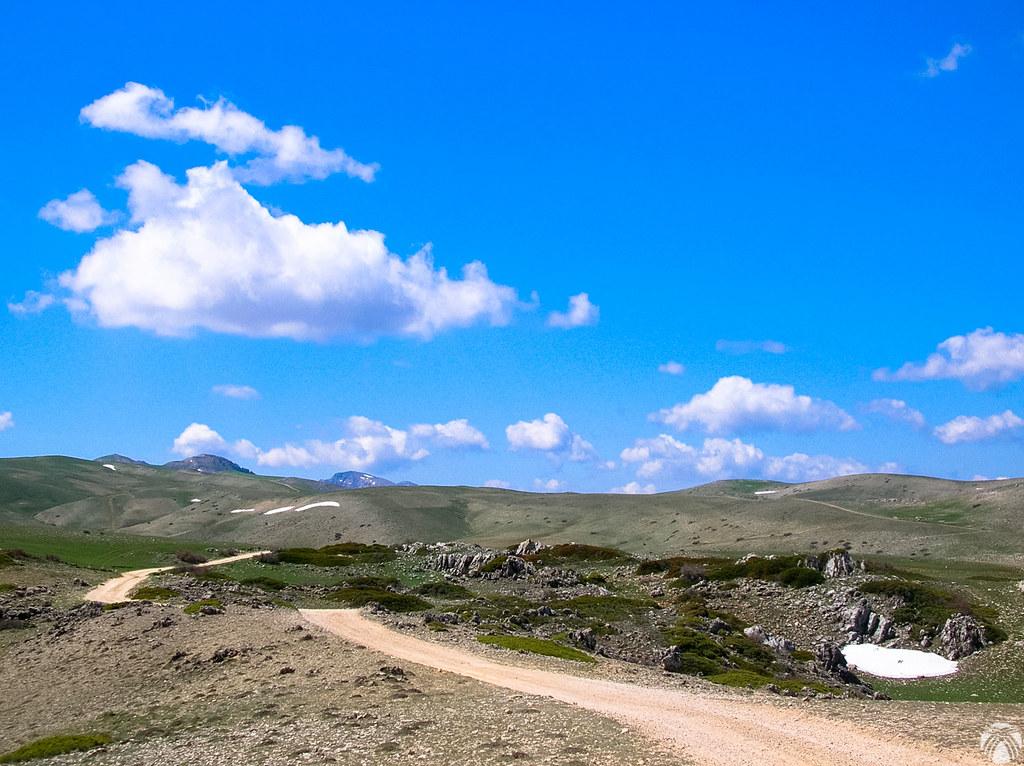 Las dolinas, torcas, lapiaces y horizontes de los Campos