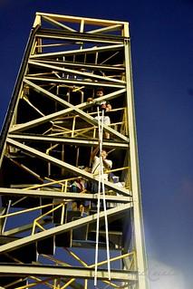 Mangueira 190309 336 Torre sinaleira da Mangueira descendo