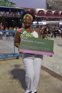 Mangueira 190309 345 Lu Lima placa Marielle verde e rosa