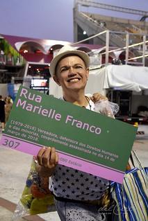 Mangueira 190309 343 Samile Cunha placa Marielle verde e rosa