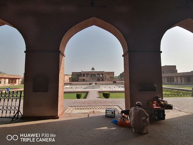 Lahore Fort Picture with ultra wide angle lens on Huawei P30 Lite