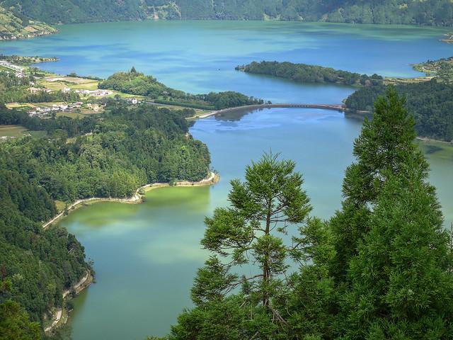 Lagoa Azul and Lagoa Verde
